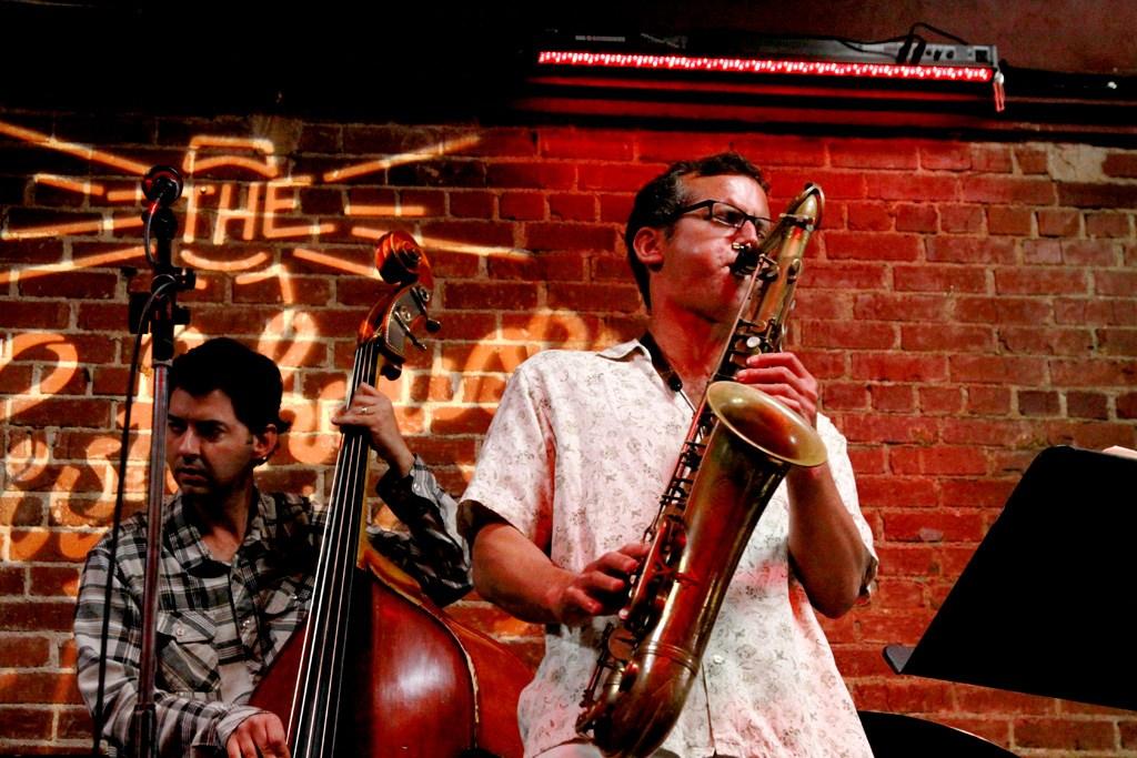 David-Sills-saxophonist-live_01